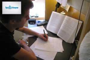 masada ders çalışan öğrenci