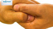 birbirine kenetlenmiş iki el