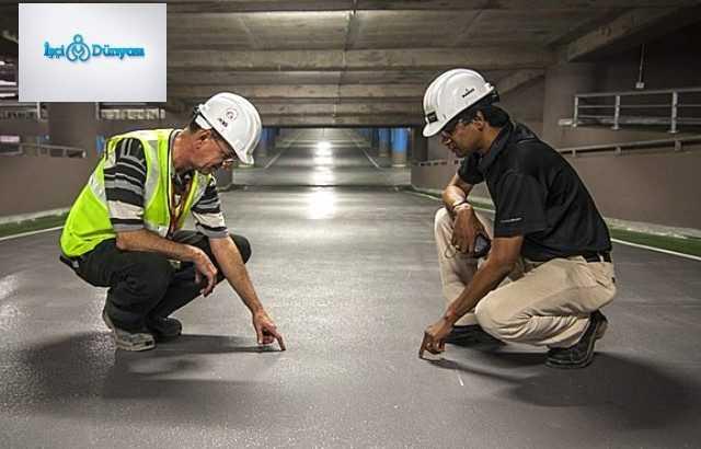 yer altında çalışan 2 mühendis
