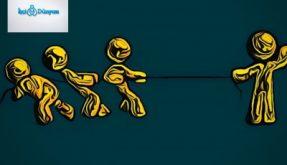 ip çekme yarışı yapan bireyler